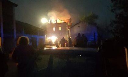 Incendio a Palazzo Donce: vigili del fuoco al lavoro per ore