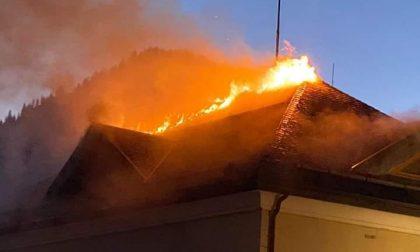 Zoppè di Cadore: a fuoco il tetto del Municipio