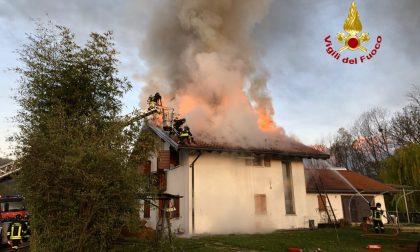 Incendio nel feltrino, abitazione in fiamme GALLERY
