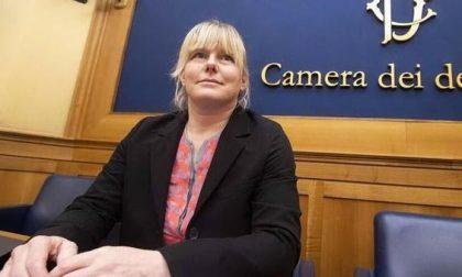 """Sara Cunial alla Camera: """"Mattarella epidemia"""". Rischia l'accusa di vilipendio – VIDEO"""
