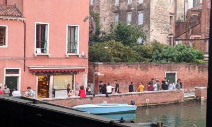 Venezia: è spritz mania…ma le mascherine dove sono?