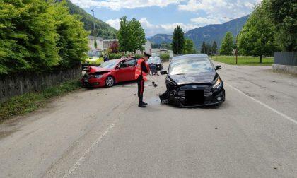 Schianto tra auto a Fonzaso: due feriti lievi