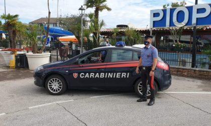 Ragazza bellunese si tuffa nel lago di Garda ma non riemerge: salvata dai Carabinieri è grave