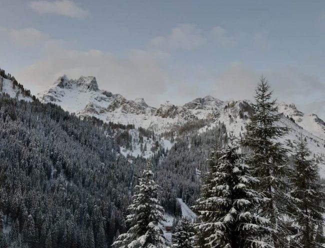Neve fino a 1000 metri sulle Dolomiti: un fine settimana di maltempo in provincia di Belluno