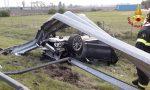 Paurosa carambola in A27, l'auto finisce rovesciata fuori strada: 36enne bellunese miracolato
