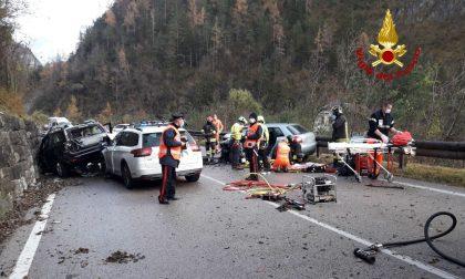 Pauroso schianto sulla Statale Agordina, quattro auto coinvolte e sei feriti: uno è grave – FOTO
