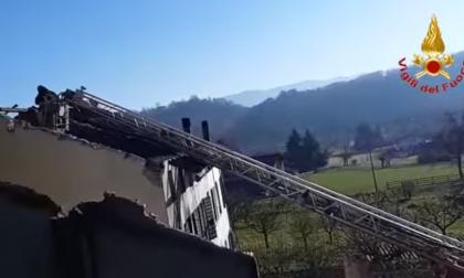 Incendio Feltre circoscritto all'abitazione: ultimate le operazioni di bonifica – VIDEO