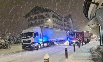 Esce di casa nella notte col deambulatore e cade: 92enne morta assiderata a Cortina