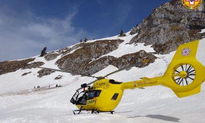 Scialpinista ferito sul monte Cristallo, recuperato dal soccorso Alpino