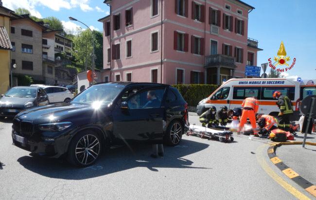 Incidente a Belluno, tremendo scontro tra auto e moto: grave il centauro