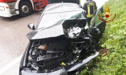 Incidente a Quero Vas: scontro tra auto, feriti due uomini