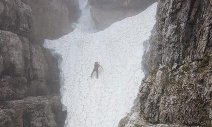 """Escursionista tedesco bloccato in quota, i soccorritori: """"C'è ancora molta neve, serve attrezzatura adeguata"""""""