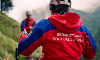 Escursionista si perde durante la salita, salvata dal Soccorso Alpino nel cuore della notte