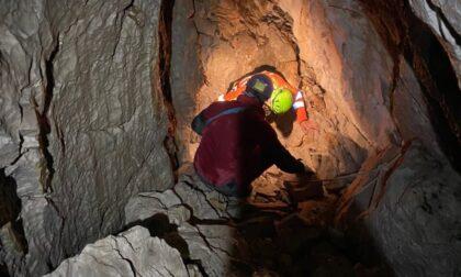 Speleologo ferito nella grotta Buca Mongana a 2000 metri di quota, salvato nella notte