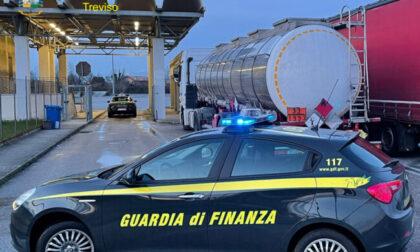 Contrabbando di benzina, carburante sequestrato e donato ai Vigili del fuoco di Belluno