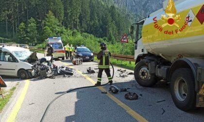 Frontale a Santo Stefano di Cadore tra un furgone e un'autocisterna: morto papà 63enne
