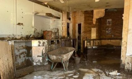 L'alluvione distrugge la sua gelateria: ex compagni di classe creano una raccolta fondi per aiutarlo