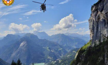 Escursionista francese cade sul sentiero che porta a Piani di Pezzè e sbatte la testa