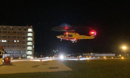 Primo intervento notturno dell'elisoccorso: trasferita in ospedale una donna colta da emorragia cerebrale