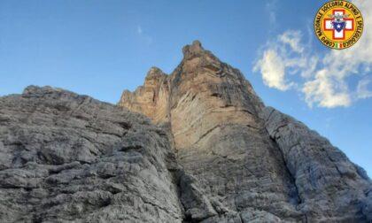 Precipita per 400 metri dal Sasso di Toanella, morta escursionista di 54 anni